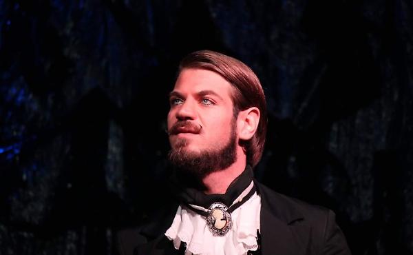 Gianni Alvino l'attore lucano che si serve della poesia di Dante per raccontare l'amore